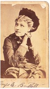Small woman's portrait
